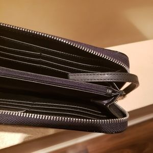 Guess Bags - GUESS Black Patent Leather Wristlet